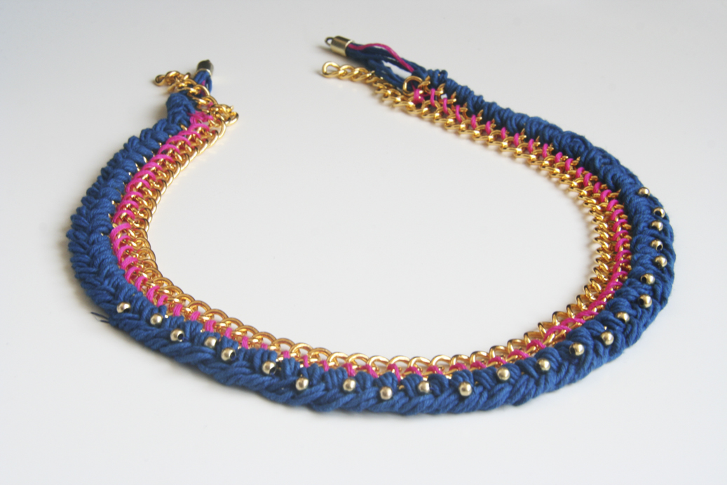 Collar de cadenas trenzado